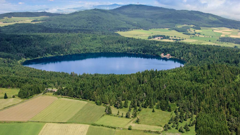 Lac du BouchetinHaute-Loire, France.  Date10 July 2012, 11:58Sourcehttps://www.flickr.com/photos/120048753@N04/24426648723/AuthorJérôme Pellé